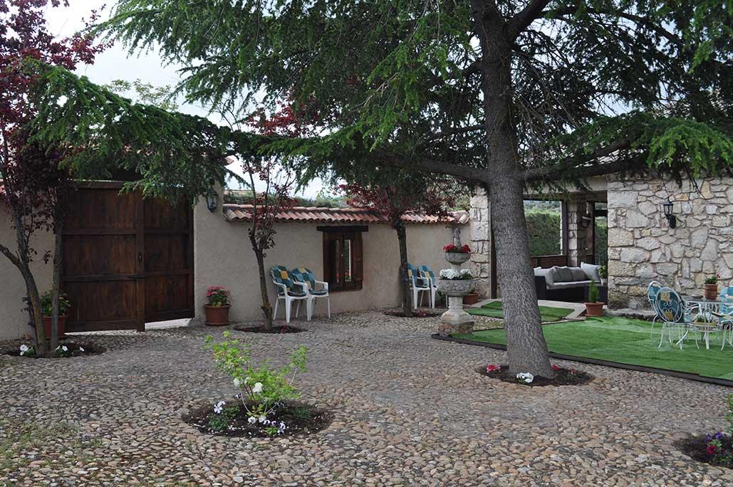 Turismo rural villa pedraza casa rural en segovia for El jardin pedraza