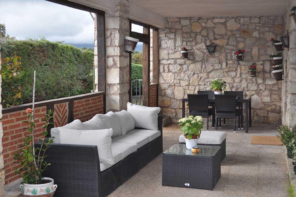 Porches rusticos top foto de porche cerrado rstico de - Fotos porches rusticos ...
